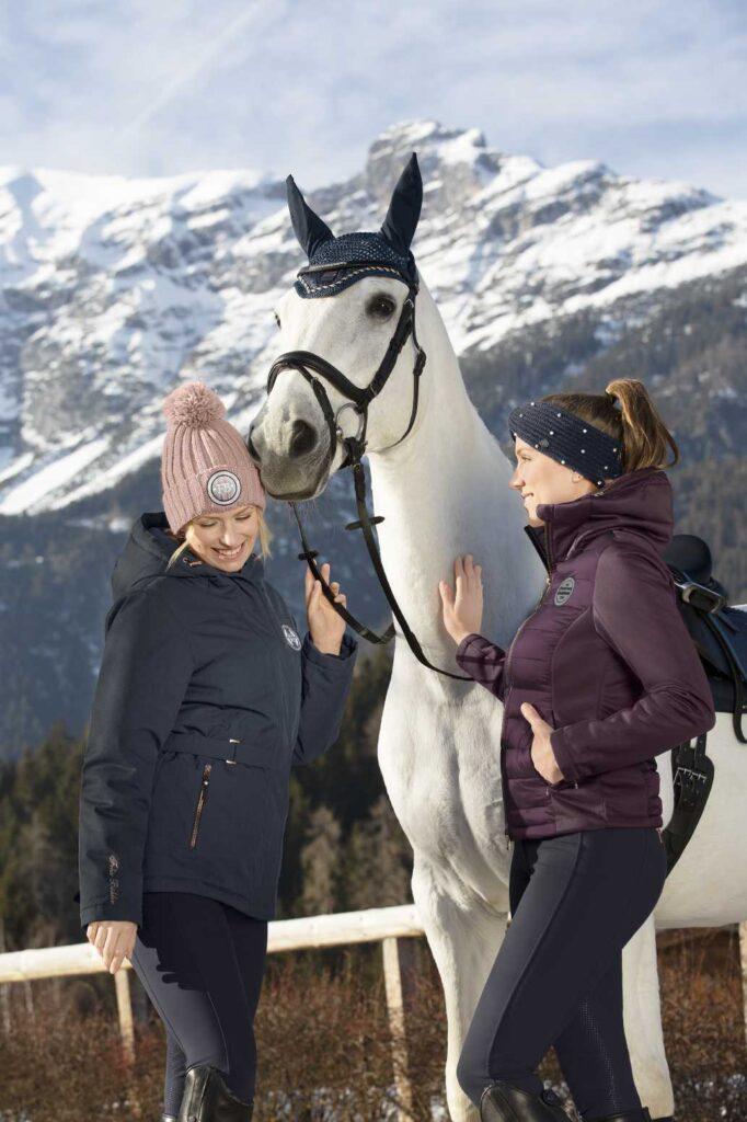 Winterreitmantel Bergpanorame